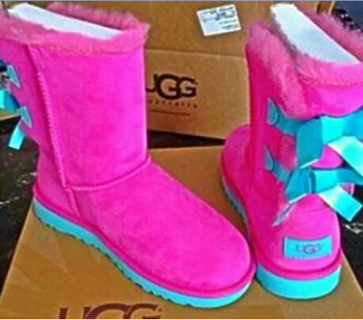 pink and uggs