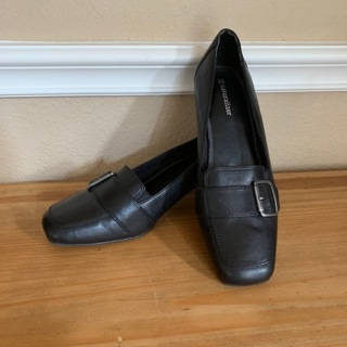 Brand New Women's Black Naturalizer Slip On Shoes Pumps - Size 8