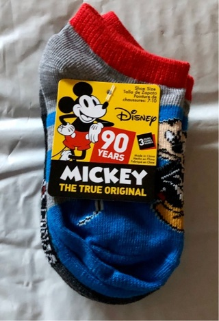BNWT Disney's Mickey Mouse 3 Pack Socks. Fits Shoe Sizes 7-10 For Kids