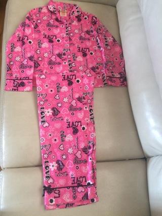 Girls 2 pces pajama, Size Medium 7/8