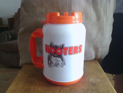 hooters 2 quart mug