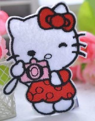 1 NEW HELLO KITTY IRON ON Patch Travel Camera Kittie Cat Clothing Embroidery Applique Decoration
