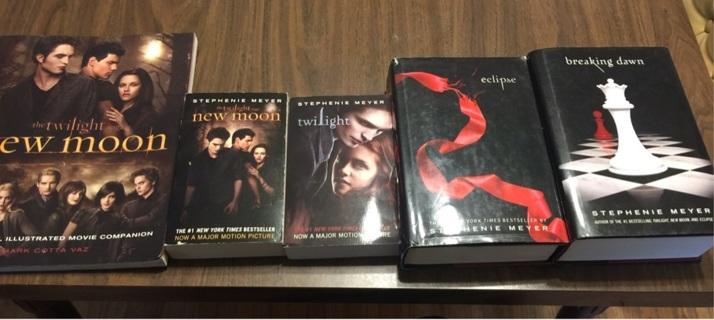 Twilight books (5)