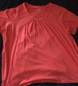 BNWOT Size 4x (34/36) Melon Color, Short Sleeved Top 100% Cotton. Pleated Front Xtra Button Incld