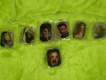 The Walking Dead Dog Tags - WINNER TAKES ALL - SPECIAL SEASON 4 DOGTAG INCLUDED!!! 7 in All-See Pics