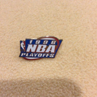 Collectible One (1) 1996 NBA Basketball Playoffs Pin Back