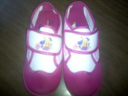 Girls Sz 11/12 Hannah Montana Water Shoes