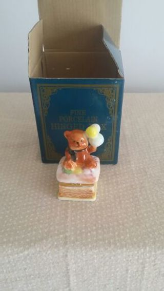 Hinged Porcelain Box