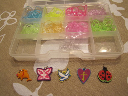5 Loom Charms 200+ Loom Rubber Bands Bands, 10 S Clips and SMALL case