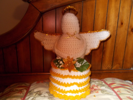 Angel Bathroom Tissue Cover in gold & white