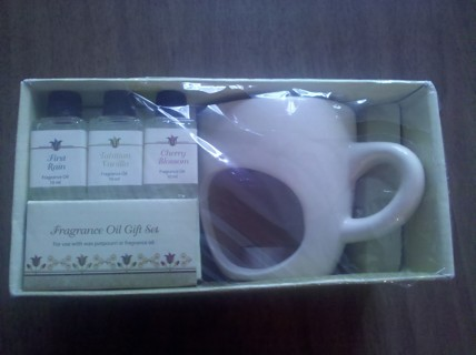Candle and Fragrance oil gift set with 3 oils