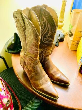 ARIAT Women's Heritage Western X Toe Western Boots Size 8B (Medium width)