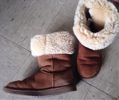 Women's Caramel/Beige Ugg Boots, Sz 7W