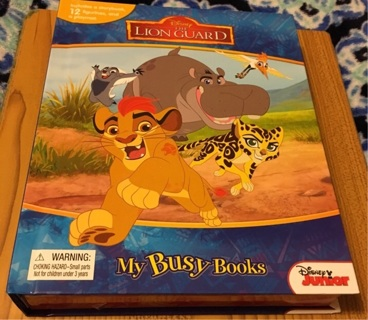 New Disney's The Lion Guard Book & Playset