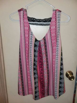New with tags womens size large with crochet strips in the back