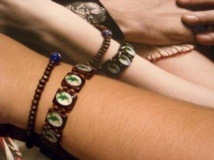 Free Twilight New Moon Bella Swan St Jude Protection Bracelet And Wood Bead Prayer Set