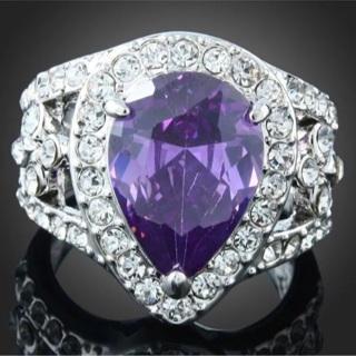 Velvet Pear Crystal Ring