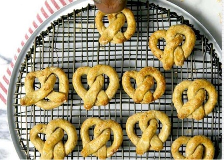 Oat and apple dog pretzel treat recipe