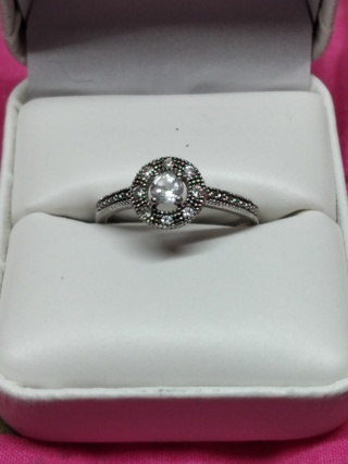 Beautiful Ring (((Sterling Silver )))