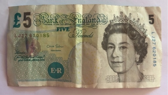 UK/Great Britain ~ 5 Pounds Merlyn Lowther 2002