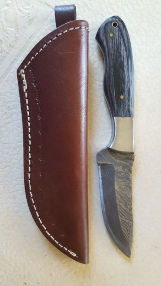 Damascus Steel Fixed Blade Hunting Knife with Sheath