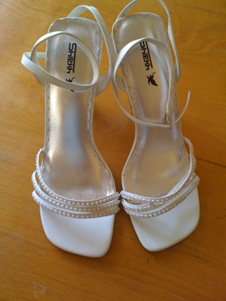Sz 10 White Formal shoes (wedding)