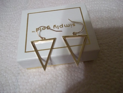 **LOVELY**10K GOLD EARRINGS NIB**