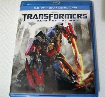 BLU-RAY/ DVD - TRANSFORMERS THE DARK OF THE MOON PRE-VIEWD LIKE NEW COND.