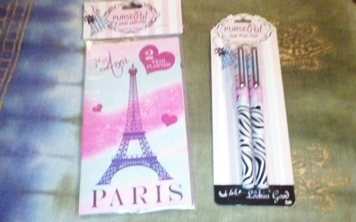 Free Set Of Paris Themed Memo Pad 2 Pens