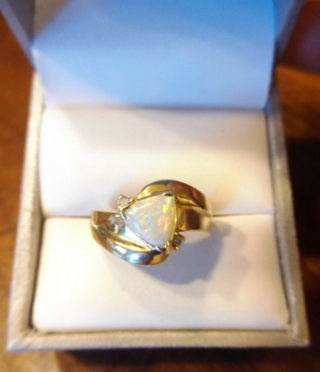 3.9 GRAM 14K YELLOW GOLD AND NATURAL TRIANGLE FIRE OPAL AND DIAMONDS RING #SIZE 6