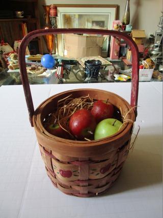 Small Apple Basket w/Wood Apples