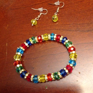 Beautiful Set of Jewelry. Bracelet and a pair of Matching Earrings.