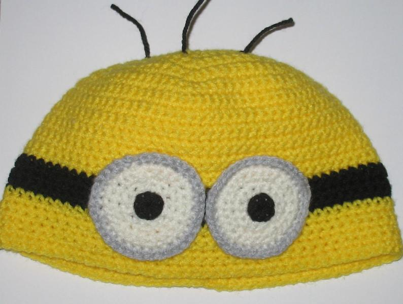 Free Crochet Pattern For Minion Hat And Overalls : original.jpg?1317253196&sig=3b3d4bb272111296&s=800x600g
