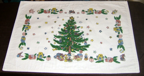 Set of 4 Christmas Placemats Holly With Tree, Present, Stars 100% Cotton NWT