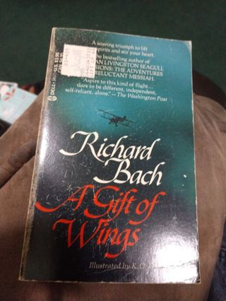 A Gift of Wings by Richard Bach (paperback)