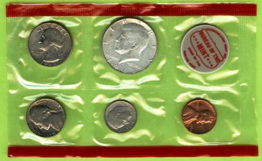 1968 U.S. Uncirculated Mint Set with Silver JFK Half Dollar