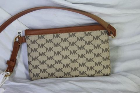 BRAND NEW MICHAEL KORS BELT PURSE