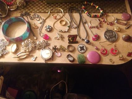 Huge vintage jewerly lot