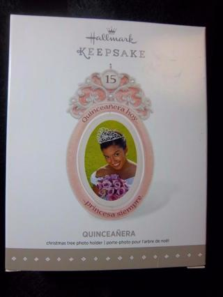 NEW - $14.95 Retail ~ Hallmark Keepsake QUINCEANERA Picture Holding Ornament - Celebrating her 15th