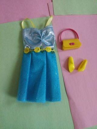 Barbie clothes (lot d)