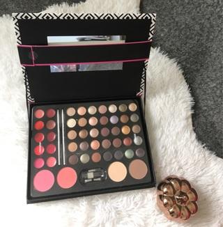 Profusion 51 piece makeup palette