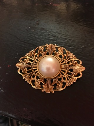 Gold Toned Pearl Accent Broach