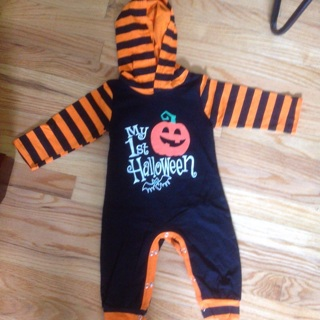 Children's Halloween Hooded Jumpsuit .