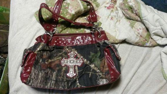Camo cross purse