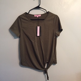 NWT olive green tie front T-shirt