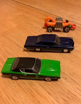 3 HOTWHEELS CARS