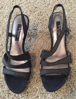 Like New Dress Shoes/Heels, Black,Size 9!! Free Shipping!!