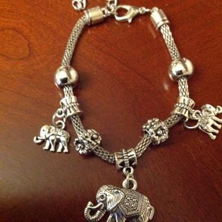 Brand New Fashion Bracelet with Charms. #02