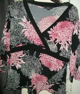 Ladies AGB Sz XL Mixed Black Red White Floral Stretch Summer Top-Like New!
