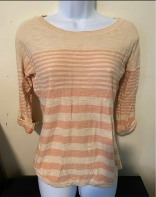 Pink Rose Light Sweater  Size Small
